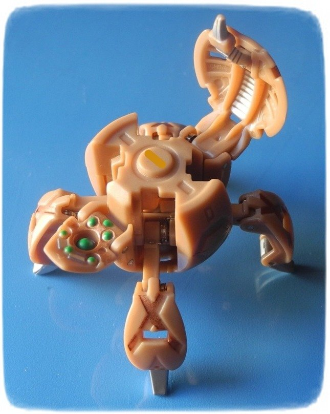 Bakugan Zestaw Bakucore: FENCER BROWN + karty